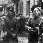 Generał_Heinz_Reinefarth_w_czapce_kubance_i_3_pułk_Kozaków