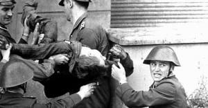 Peter Fechter, młody murarz z Berlina Wschodniego. Zginął od kul NRD-owskich pograniczników.