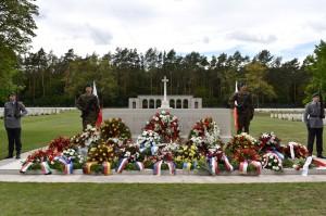 Tablica pamiątkowa dla polskich żołnierzy wyzwalających Berlin / Gedenkstätte für polnische Kämpfer