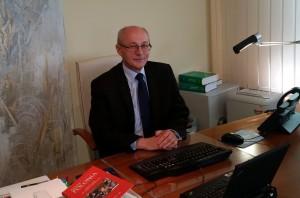 Z Konsulem Generalnym RP Marianem Cichoszem rozmawia Waldemar Maszewski.